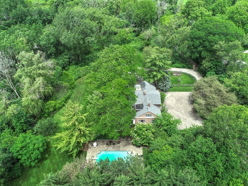 Real Estate Photography - 282 W Laurel, Lake Forest, IL, 60045 - Aerial View