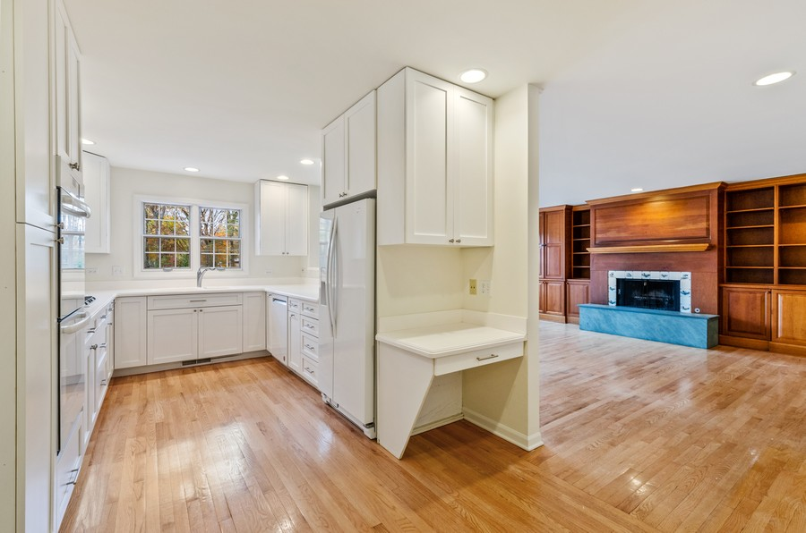 Real Estate Photography - 1108 Forest Hill, Lake Forest, IL, 60045 - Kitchen