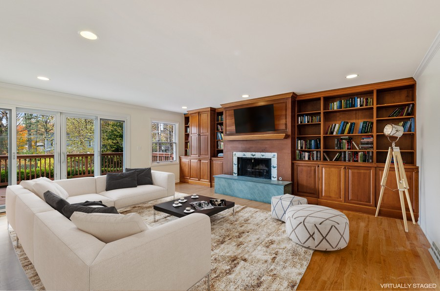 Real Estate Photography - 1108 Forest Hill, Lake Forest, IL, 60045 - Family Room