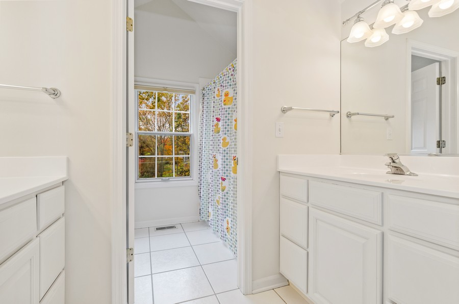Real Estate Photography - 1108 Forest Hill, Lake Forest, IL, 60045 - Bathroom