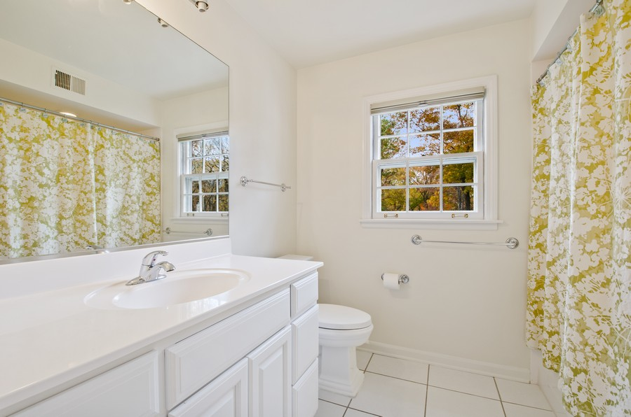 Real Estate Photography - 1108 Forest Hill, Lake Forest, IL, 60045 - 2nd Bathroom
