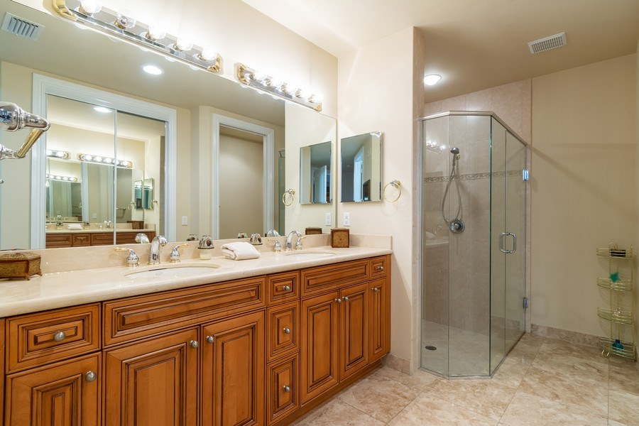 Real Estate Photography - 7601 Old Thyme Ct, Parkland, FL, 33076 - Master Bathroom