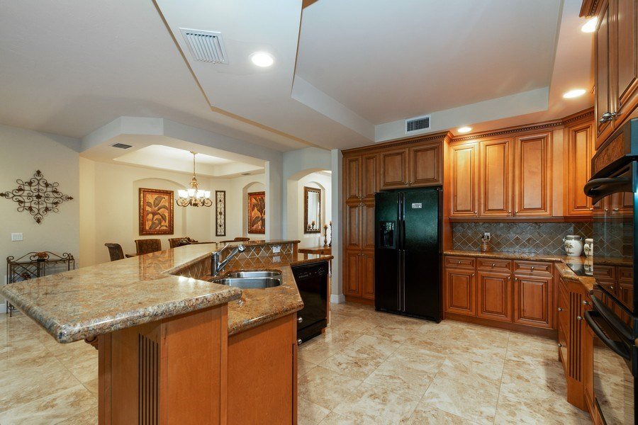 Real Estate Photography - 7601 Old Thyme Ct, Parkland, FL, 33076 - Kitchen