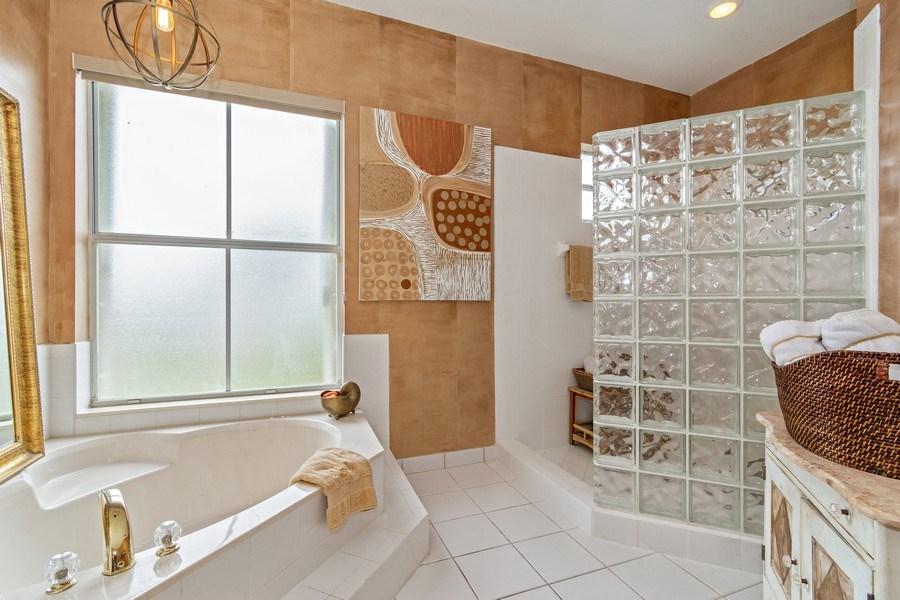 Real Estate Photography - 6609 NW 128 Way, Parkland, FL, 33076 - Master Bathroom
