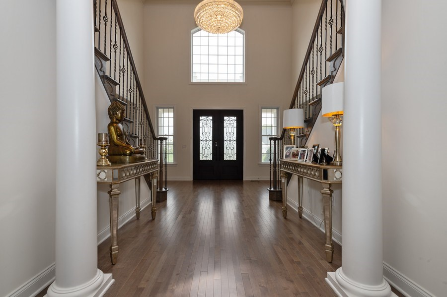 Real Estate Photography - 30 Weathervane Cir, Cream Ridge, NJ, 08514 - Foyer