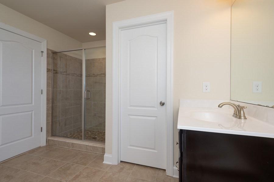 Real Estate Photography - 14 Manchester Ct, Columbus, NJ, 08022 - Master Bathroom