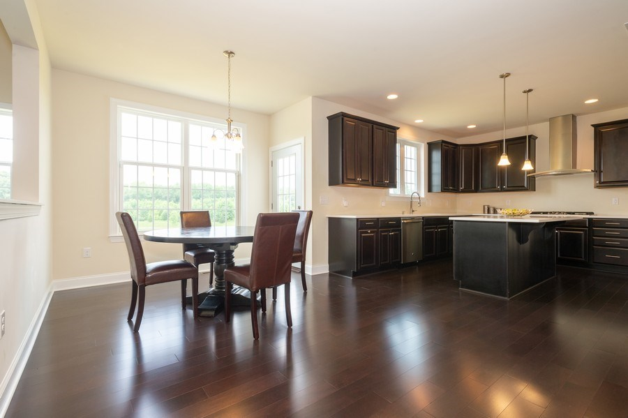 Real Estate Photography - 14 Manchester Ct, Columbus, NJ, 08022 - Kitchen / Breakfast Room
