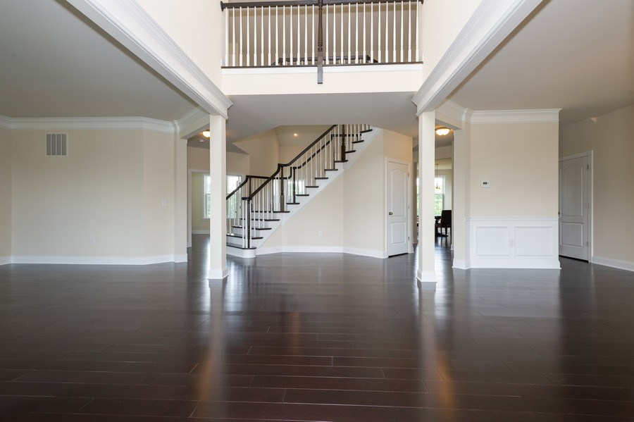 Real Estate Photography - 14 Manchester Ct, Columbus, NJ, 08022 - Foyer