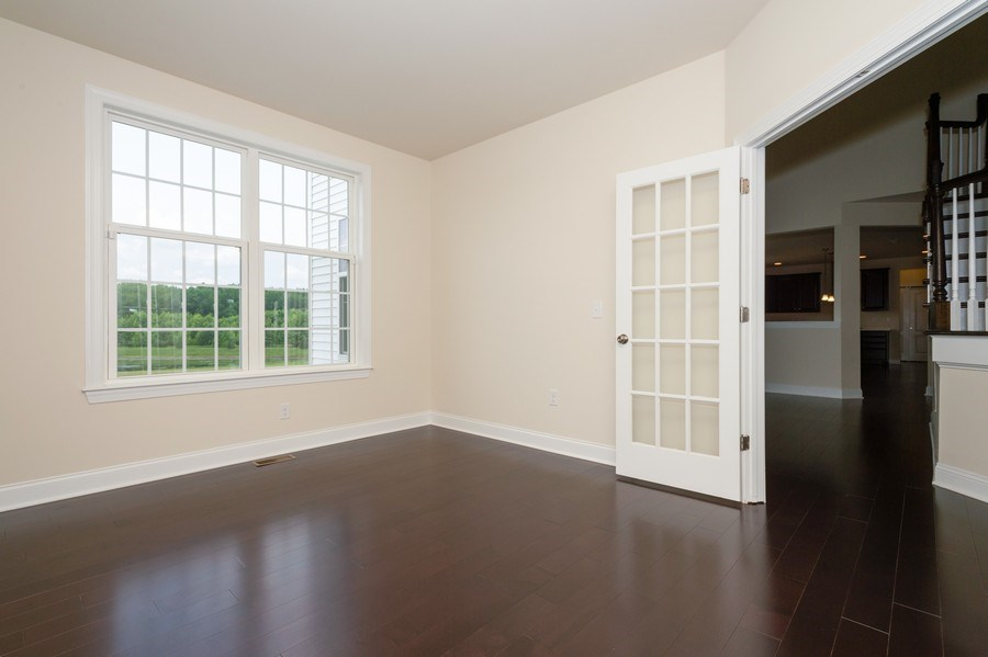 Real Estate Photography - 14 Manchester Ct, Columbus, NJ, 08022 - Office