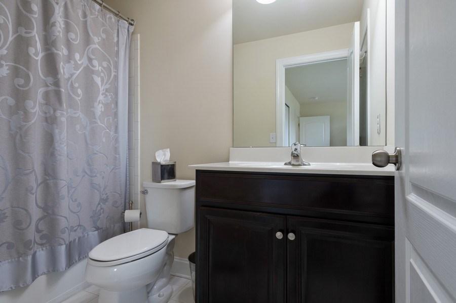 Real Estate Photography - 14 Manchester Ct, Columbus, NJ, 08022 - Bathroom