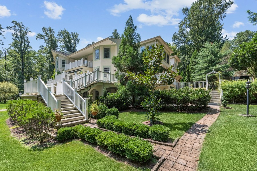 Real Estate Photography - 76 Pettit Pl, Princeton, NJ, 08540 - Side Exterior View