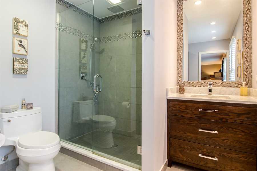 Real Estate Photography - 2609 Old Mill Ln, Rolling Meadows, IL, 60008 - Master Bathroom