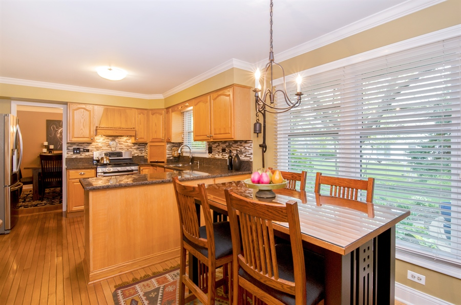 Real Estate Photography - 2609 Old Mill Ln, Rolling Meadows, IL, 60008 - Kitchen / Breakfast Room