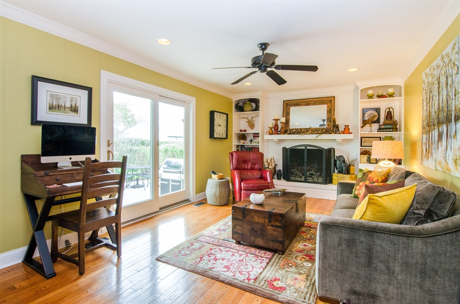 Real Estate Photography - 2609 Old Mill Ln, Rolling Meadows, IL, 60008 - Family Room