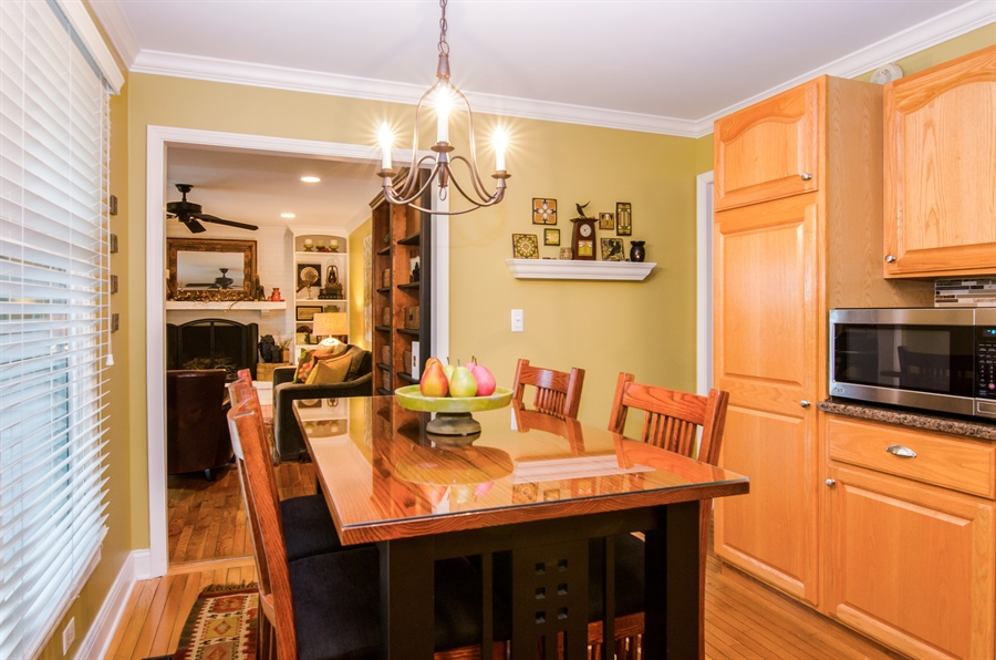 Real Estate Photography - 2609 Old Mill Ln, Rolling Meadows, IL, 60008 - Breakfast Area
