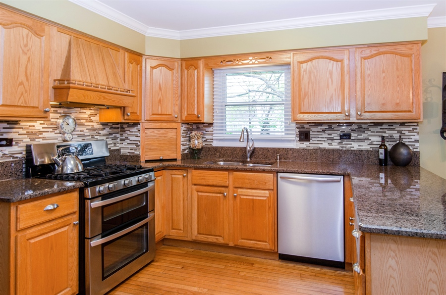Real Estate Photography - 2609 Old Mill Ln, Rolling Meadows, IL, 60008 - Kitchen
