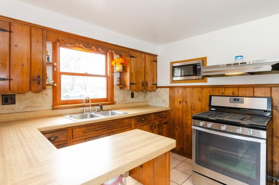 Real Estate Photography - 707 Rawson Bridge Rd, Cary, IL, 60013 - Kitchen