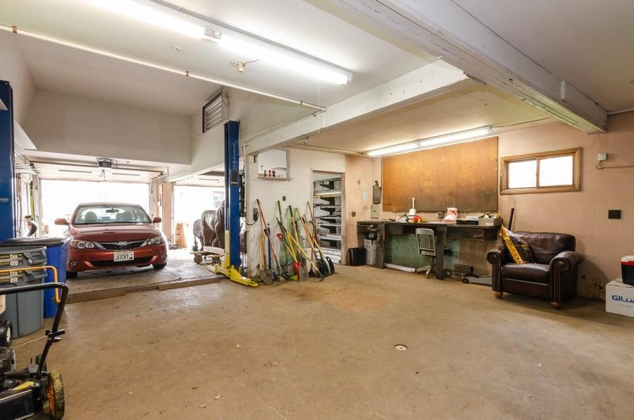 Real Estate Photography - 707 Rawson Bridge Rd, Cary, IL, 60013 - Garage