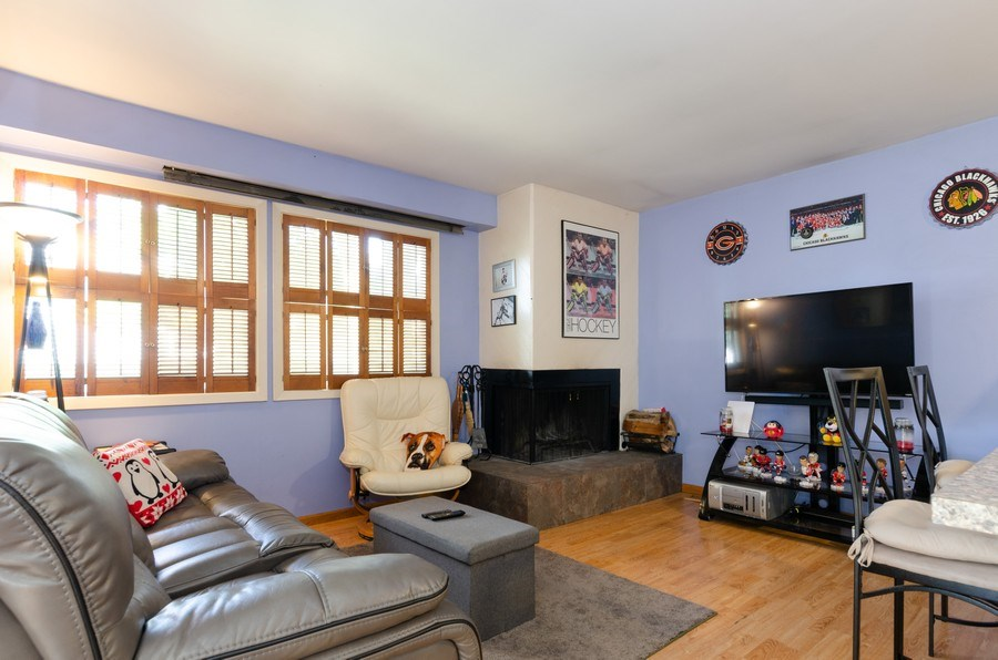 Real Estate Photography - 1992 Raleigh Pl, Hoffman Estates, IL, 60169 - Family Room