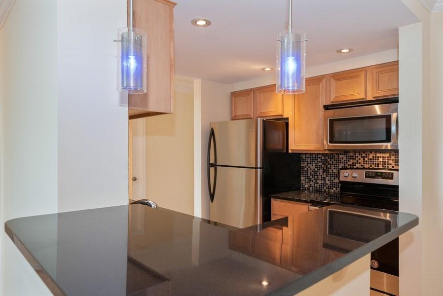 Real Estate Photography - 1 Renaissance Pl, Unit 809, Palatine, IL, 60067 -