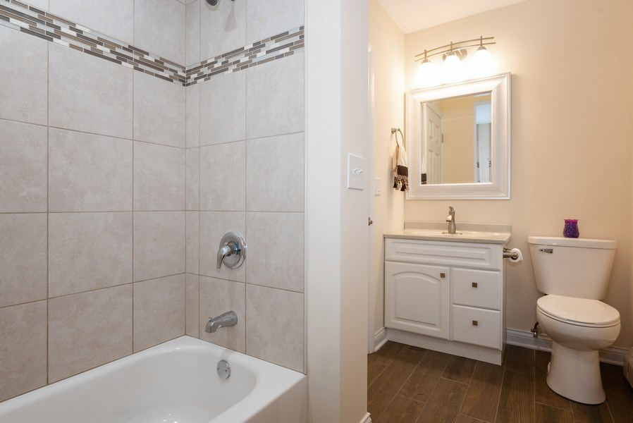 Real Estate Photography - 184 Stonegate Rd, Trout Valley, IL, 60013 - 3rd Bathroom