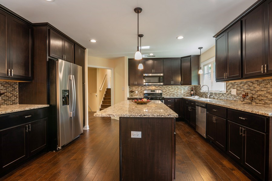 Real Estate Photography - 184 Stonegate Rd, Trout Valley, IL, 60013 - Kitchen