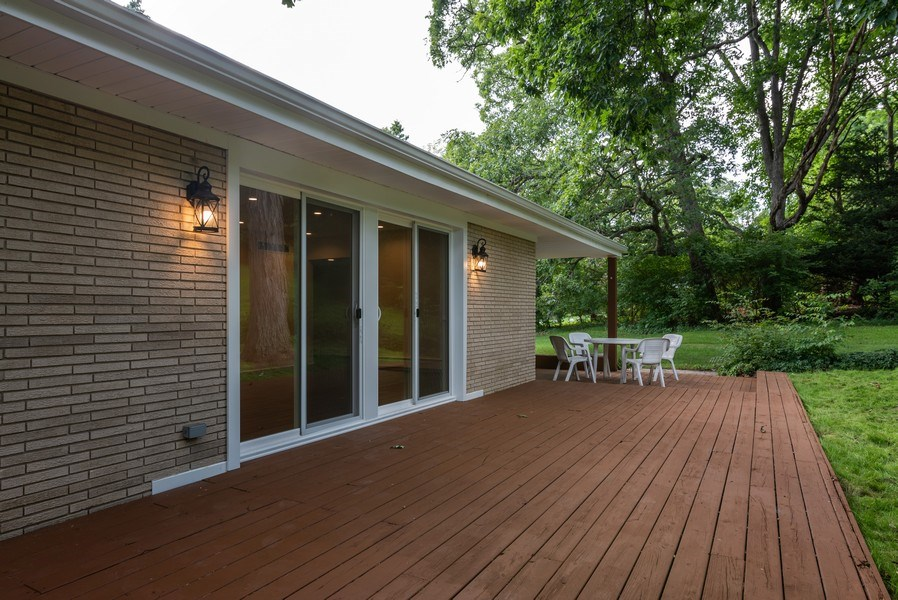 Real Estate Photography - 184 Stonegate Rd, Trout Valley, IL, 60013 - Deck