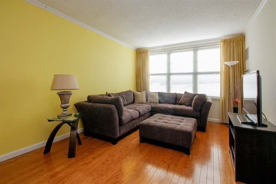 Real Estate Photography - 300 Mamaroneck Avenue #423, White Plains, NY, 10605 - Living Room