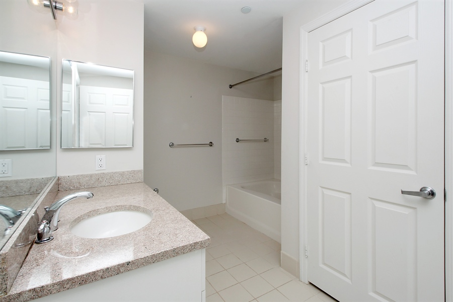Real Estate Photography - 300 Mamaroneck Avenue #423, White Plains, NY, 10605 - Bathroom including Washer/Dryer