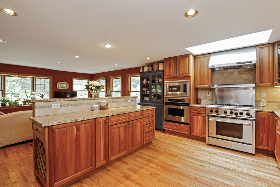 Real Estate Photography - 75 Glendale Rd, Ossining, NY, 10562 - Kitchen