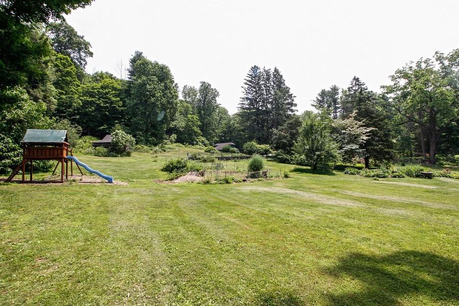 Real Estate Photography - 75 Glendale Rd, Ossining, NY, 10562 - Back Yard