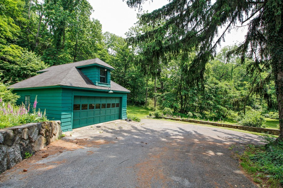 Real Estate Photography - 75 Glendale Rd, Ossining, NY, 10562 - Garage