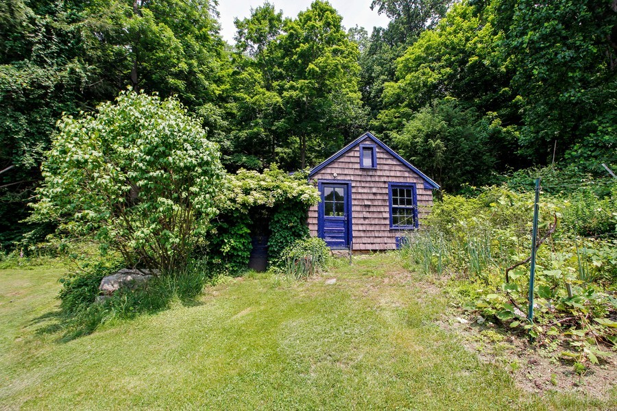 Real Estate Photography - 75 Glendale Rd, Ossining, NY, 10562 - Garden Room