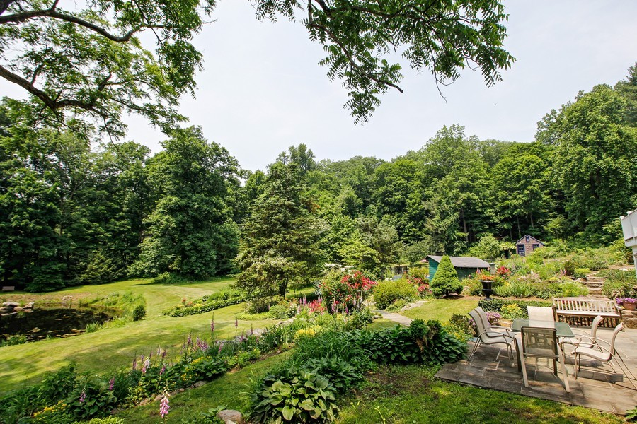 Real Estate Photography - 75 Glendale Rd, Ossining, NY, 10562 - Patio