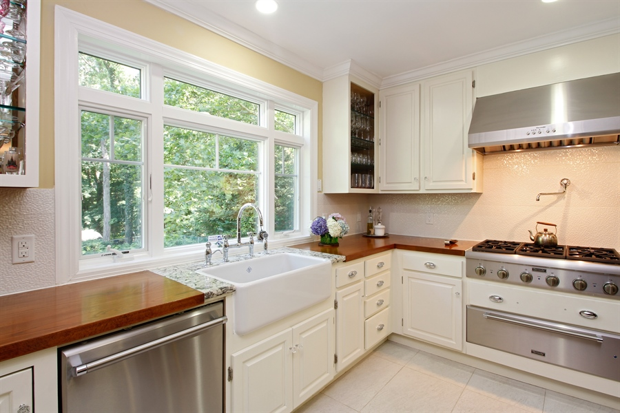 Real Estate Photography - 52 Truesdale Dr, Croton on Hudson, NY, 10520 - Kitchen