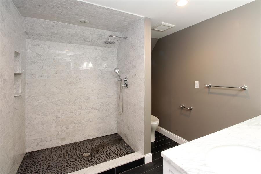 Real Estate Photography - 52 Truesdale Dr, Croton on Hudson, NY, 10520 - Bathroom