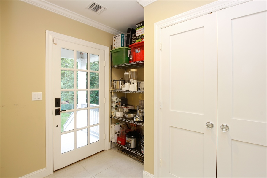 Real Estate Photography - 52 Truesdale Dr, Croton on Hudson, NY, 10520 - Pantry