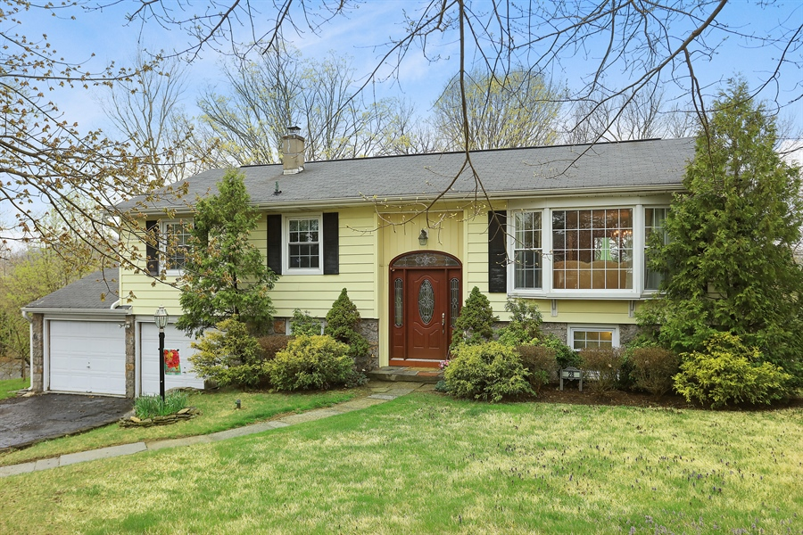 Real Estate Photography - 28 Pike, Mahopac, NY, 10541 - Front View