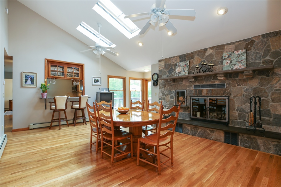 Real Estate Photography - 830 Kipling Dr, Yorktown Heights, NY, 10598 - Kitchen / Breakfast Room