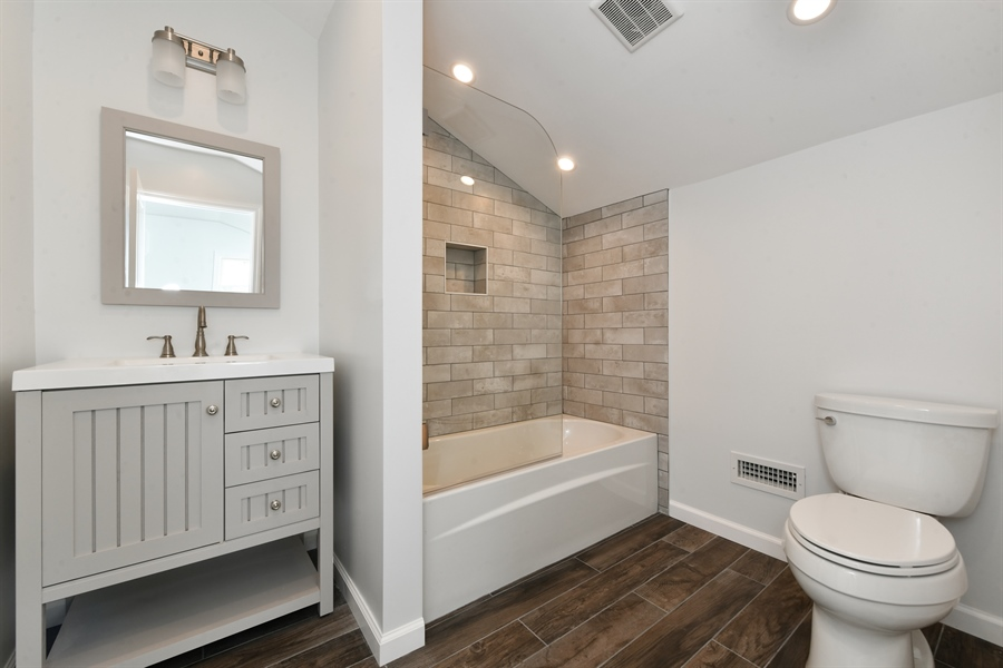 Real Estate Photography - 84 Woodland Rd, Pleasantville, NY, 10570 - 2nd Bathroom