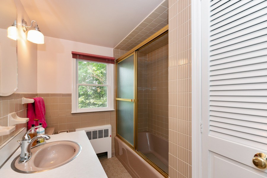 Real Estate Photography - 210 Belmont Rd, Hawthorne, NY, 10532 - Bathroom #4
