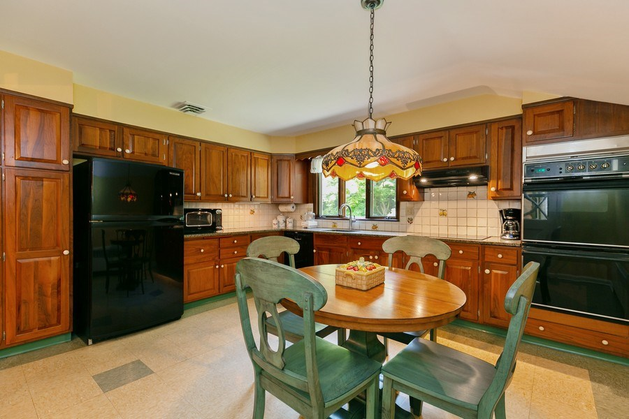 Real Estate Photography - 210 Belmont Rd, Hawthorne, NY, 10532 - Kitchen