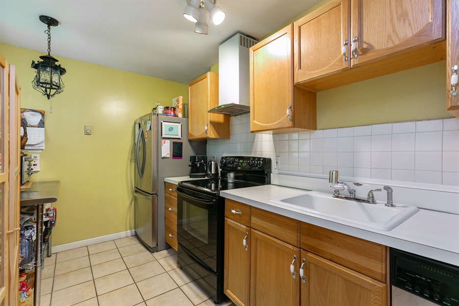 Real Estate Photography - 7 Ethan Drive, Garrison, NY, 10524 - Kitchen