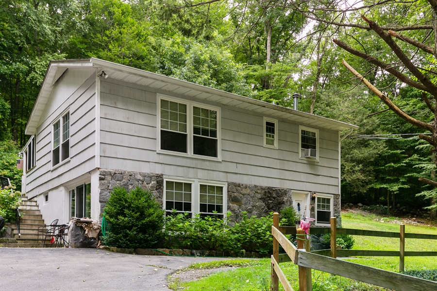 Real Estate Photography - 7 Ethan Drive, Garrison, NY, 10524 - Front View