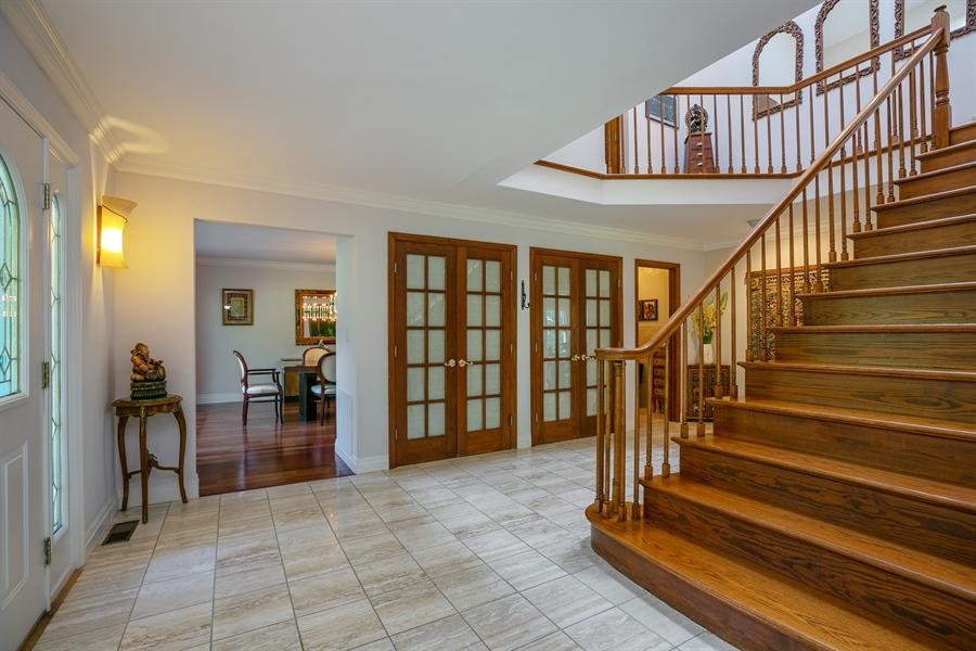 Real Estate Photography - 96 Deerfield Lane N, Pleasantville, NY, 10570 - Foyer