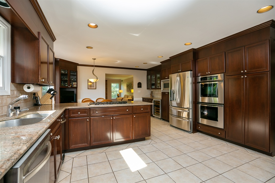 Real Estate Photography - 96 Deerfield Lane N, Pleasantville, NY, 10570 - Kitchen