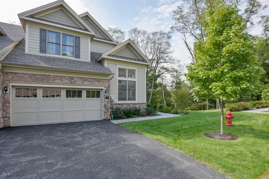 Real Estate Photography - 11 Hedges Court, Cortlandt Manor, NY, 10567 - Garage