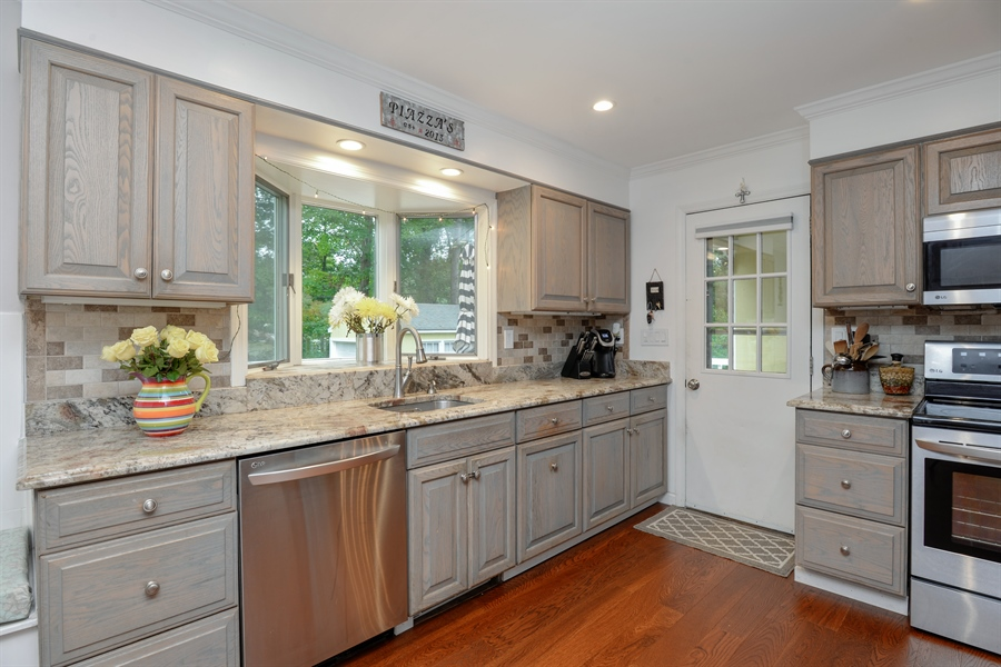 Real Estate Photography - 11 west meadow, Goldens Bridge, NY, 10526 - Kitchen