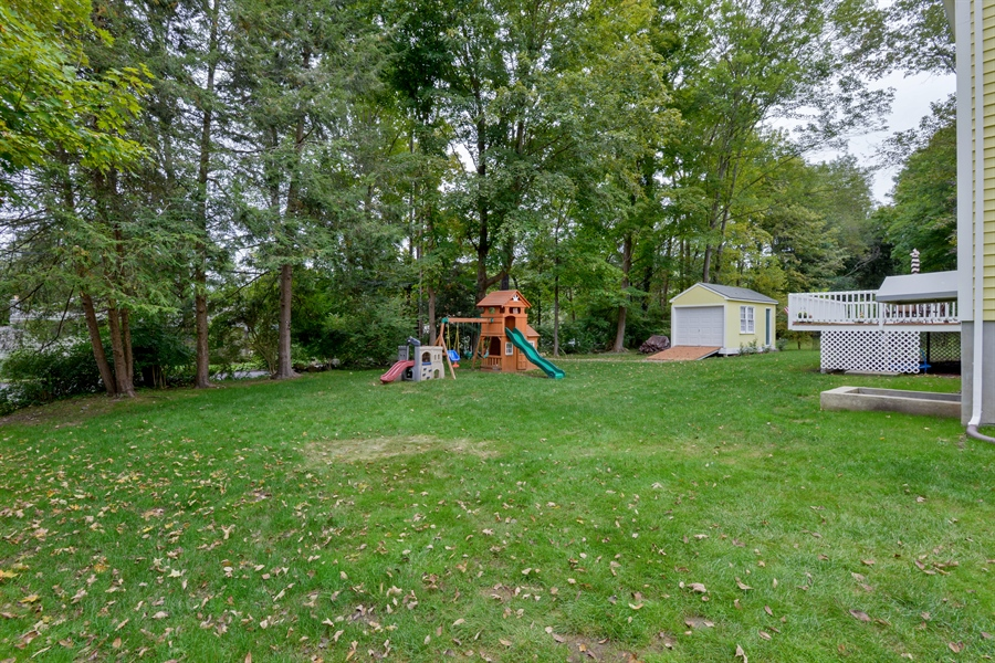 Real Estate Photography - 11 west meadow, Goldens Bridge, NY, 10526 - Back Yard