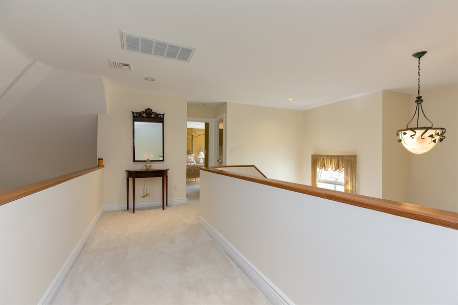 Real Estate Photography - 5 Elizabeth Ct, Briarcliff Manor, NY, 10510 - 2nd Floor Corridor
